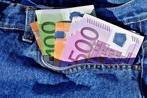 bankovky v kapse