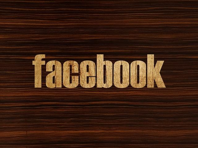 nápis facebook